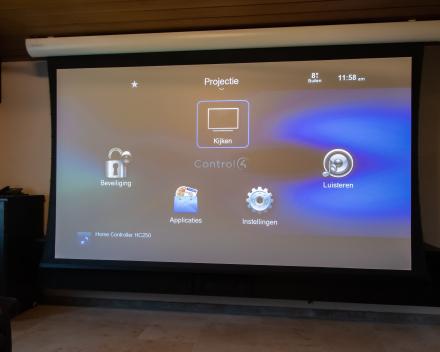 Control4 menu op scherm Projecta